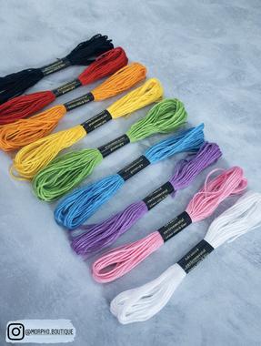 صورة مجموعة خيوط تطريز  ( ألألوان الأساسية)