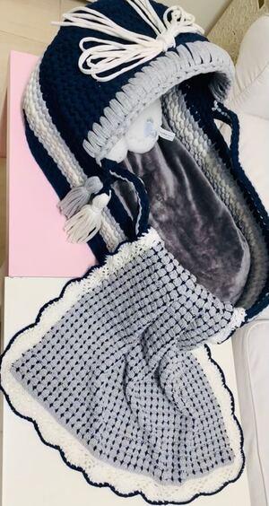 صورة كروشيه مهاد (سرير) للاطفال وملحقاته